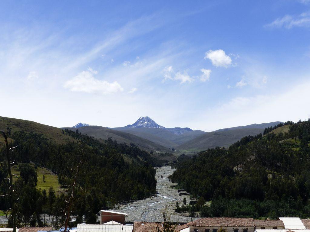 Le long de la vallée au Nord de Huaraz...