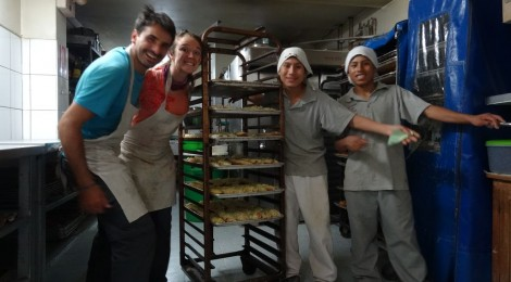 Apprentis boulangers chez Qosqo Maki