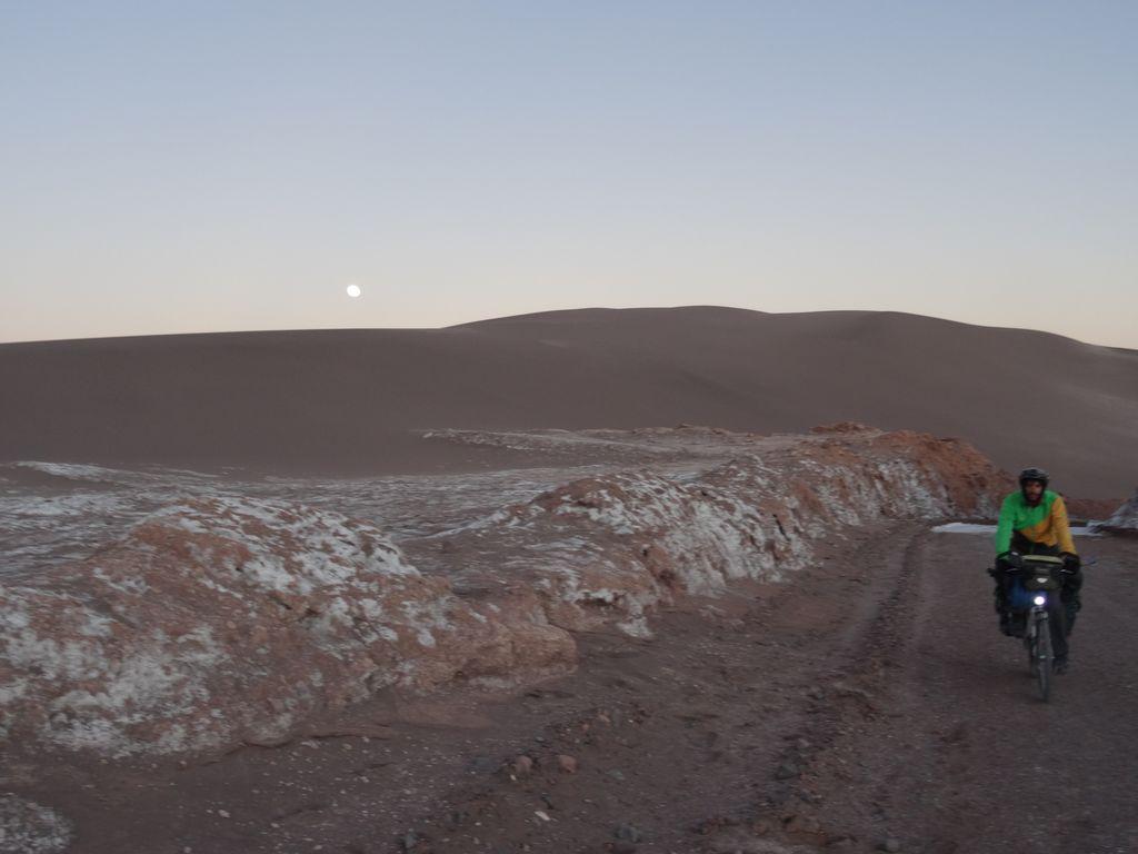 Valle de la luna à l'aube