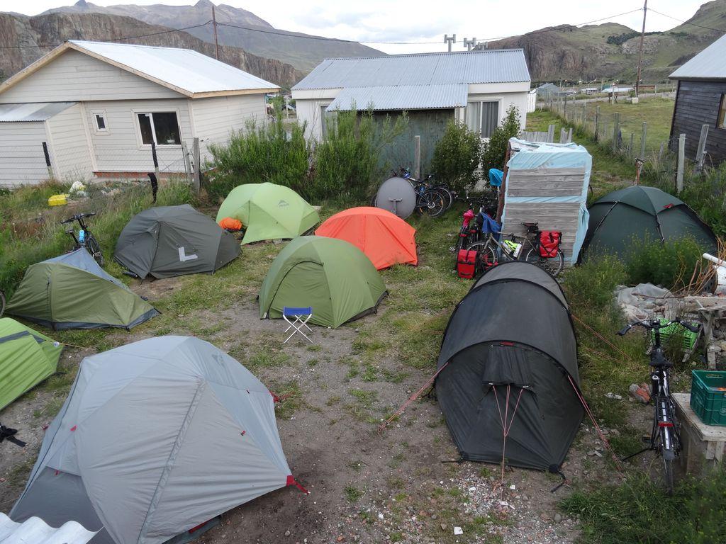 Si ! Si ! il reste de l'espace pour quelques tentes encore ! Avez-vous repéré la nôtre ?