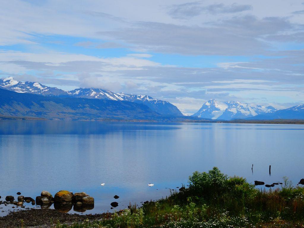 La baie de Puerto Natales, calme plat