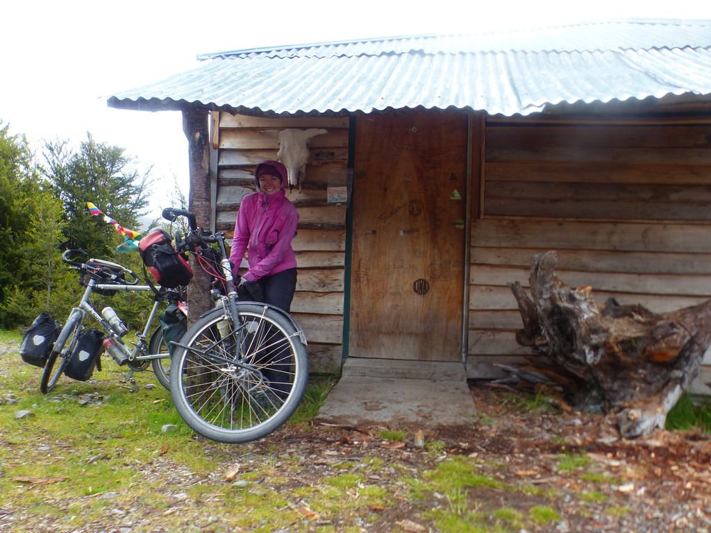 Refuge à cyclistes (à 53km de RIo Bravo et 47km de Villa O'Higgins)