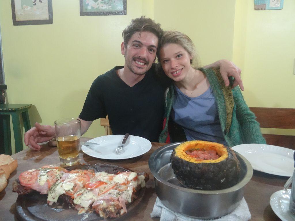 Nico et Cele le beau petit couple qui nous accueille à Ushuaia