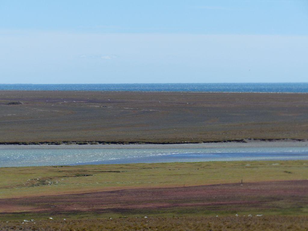 Océan Atlantique et fleuve aux rives colorées
