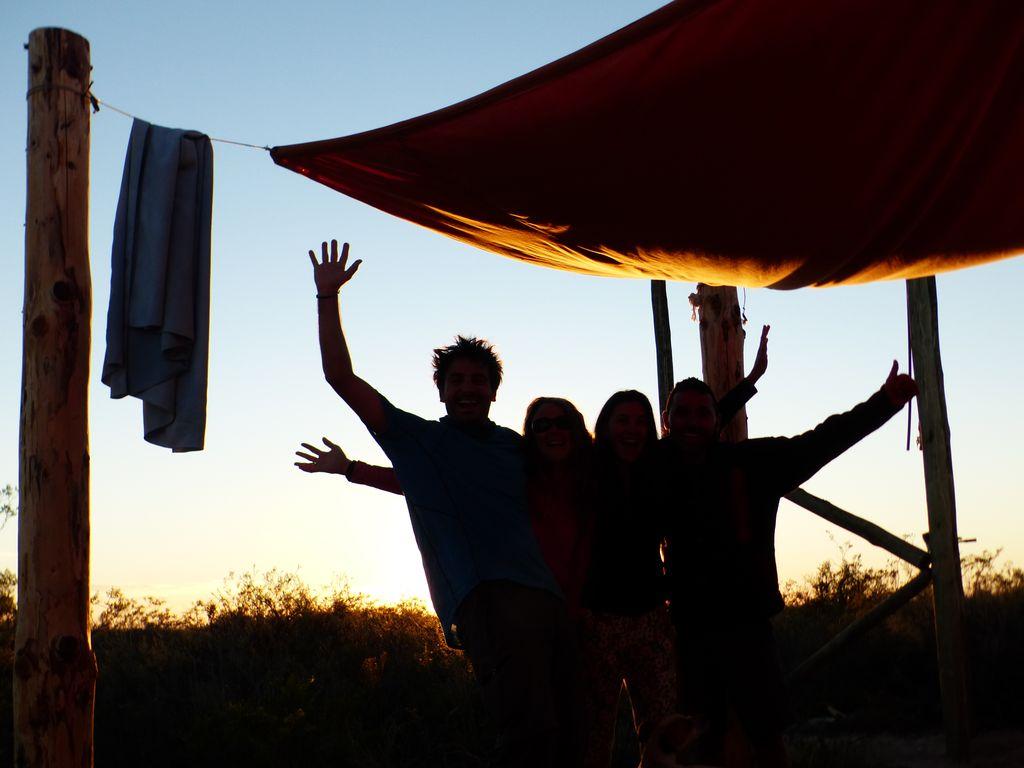 Silhouettes saluant la Patagonie